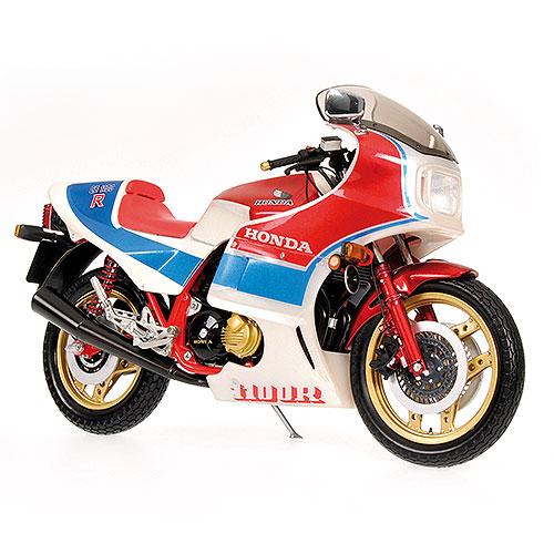 minichamps 1982 honda cbr1100r red white & blue